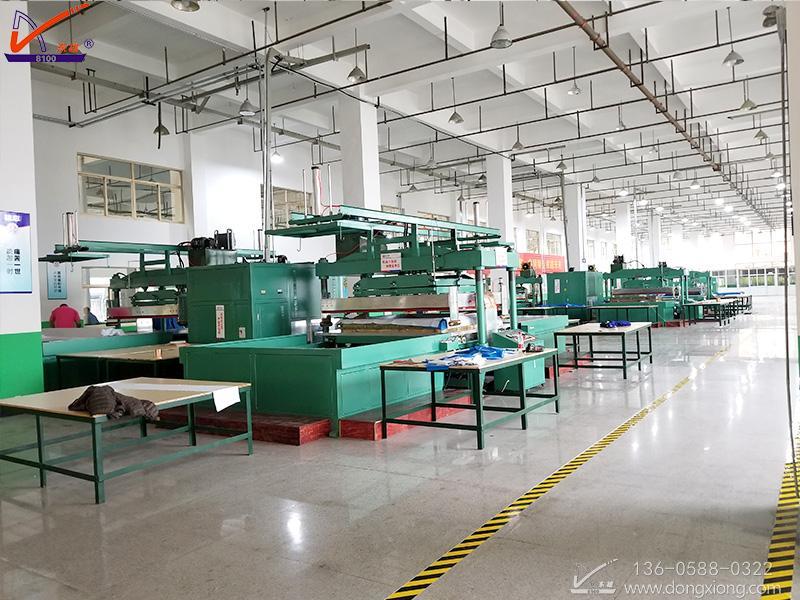 水池焊接机生产现场