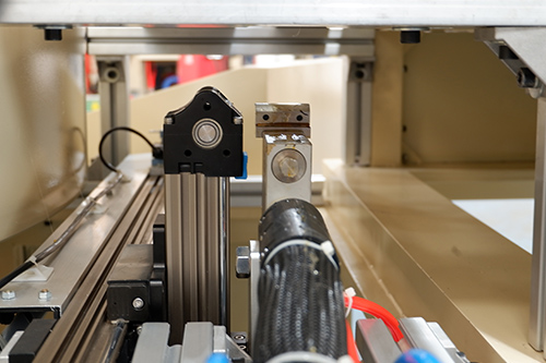 吸塑包装焊接机自动点胶