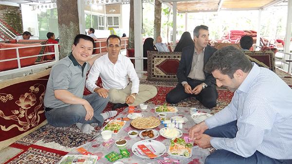 伊朗朋友款待